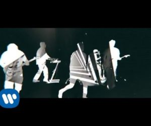 Deftones – Prayers/Triangles (Official Music Video)